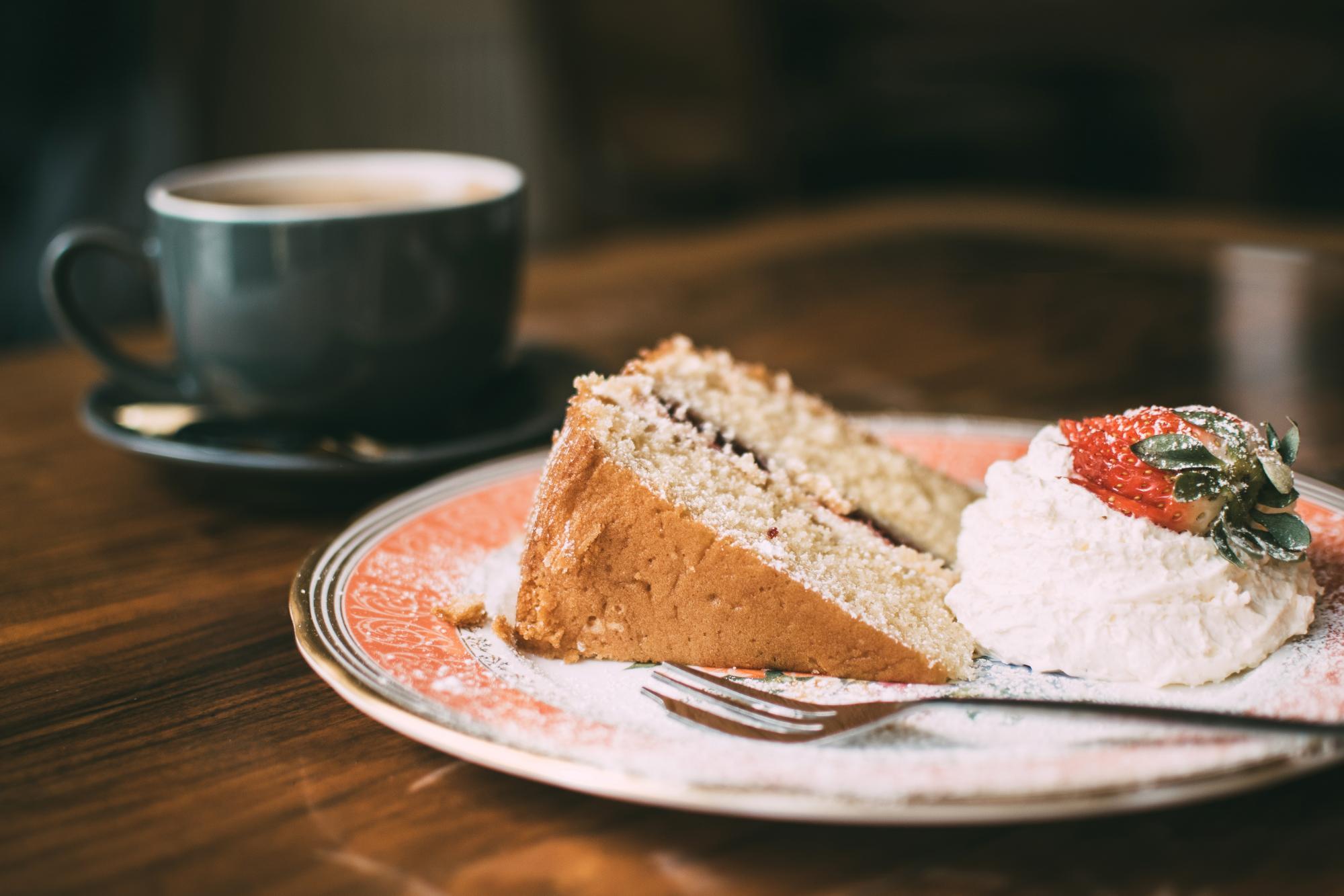 blur-cafe-cake-907142
